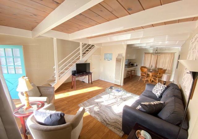 111 Marina Ave, Aptos, California 95003, 2 Bedrooms Bedrooms, ,1 BathroomBathrooms,Off Beach,Vacation Rental,111 Marina Ave,1012