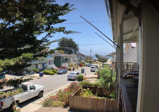 121 Cypress Ave, Santa Cruz, California 95062, 3 Bedrooms Bedrooms, ,2 BathroomsBathrooms,Santa Cruz/Capitola,Vacation Rental,121 Cypress Ave,1013