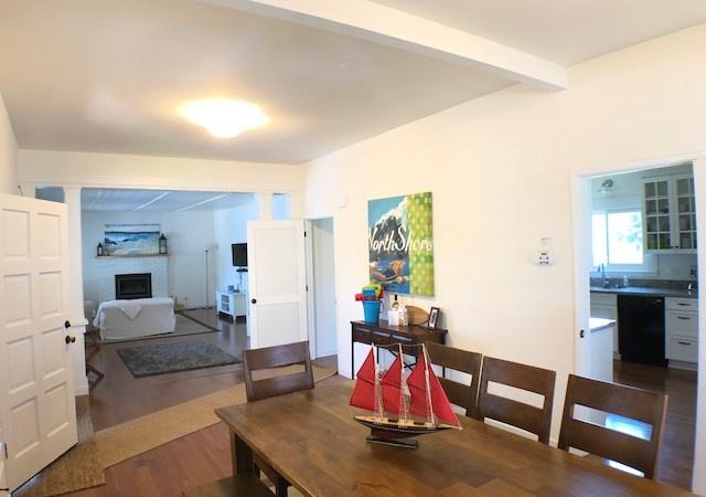 121 Cypress Ave, Santa Cruz, California 95062, 3 Bedrooms Bedrooms, ,2 BathroomsBathrooms,Santa Cruz/Capitola,Vacation Rental,121 Cypress Ave,1013