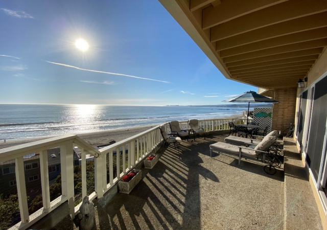 230 Rio Del Mar Blvd, Aptos, California 95003, 2 Bedrooms Bedrooms, ,3 BathroomsBathrooms,Condo,Vacation Rental,230 Rio Del Mar Blvd,1028