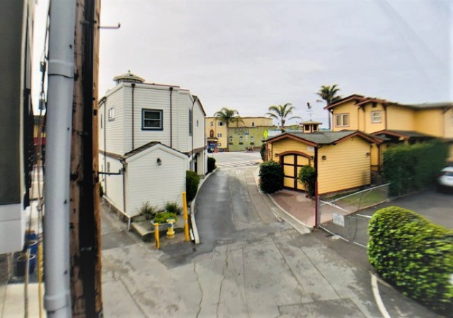 310 Riverview Ave, Capitola, California 95010, 2 Bedrooms Bedrooms, ,2 BathroomsBathrooms,Santa Cruz/Capitola,Vacation Rental,310 Riverview Ave,1041