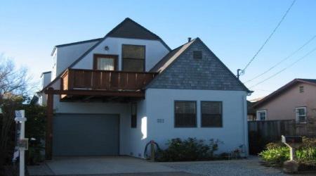 311 9th Ave, Santa Cruz, California 95062, 3 Bedrooms Bedrooms, ,2 BathroomsBathrooms,Santa Cruz/Capitola,Vacation Rental,311 9th Ave,1042