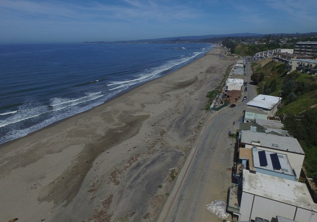 325 Beach Dr, Aptos, California 95003, 4 Bedrooms Bedrooms, ,2.5 BathroomsBathrooms,Beach Drive,Vacation Rental,325 Beach Dr,1044