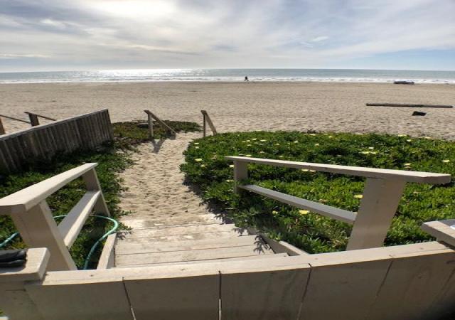529 Beach Dr, Aptos, California 95003, 4 Bedrooms Bedrooms, ,2 BathroomsBathrooms,Beach Drive,Vacation Rental,529 Beach Dr,1053