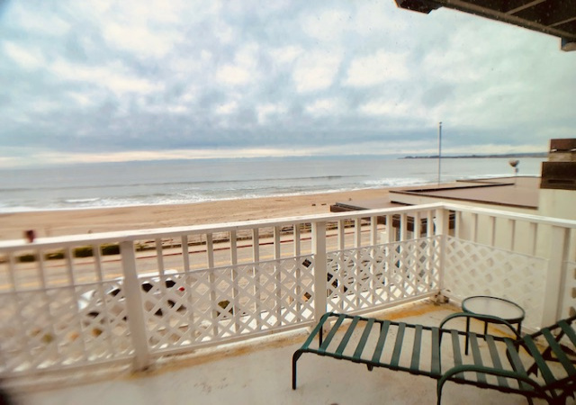 4 Bedrooms Bedrooms, ,3 BathroomsBathrooms,Beach Drive,Vacation Rental,1076